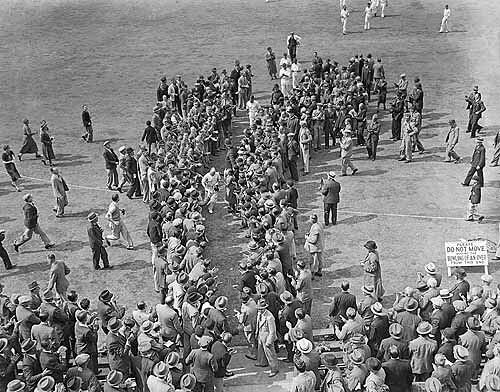 Stan McCabe is applauded after his 232-Australia vs England 1st test Trentbridge 1938
