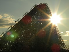 Riding into the Sunset ([jonrev]) Tags: wood sunset sun set america wooden eagle great twin flags racing american roller six setting coaster