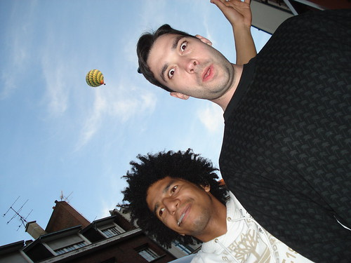 Bruno, Leon & the balloon