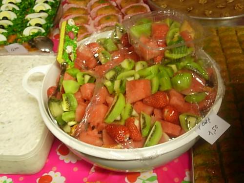 kermes Meyve salatasi