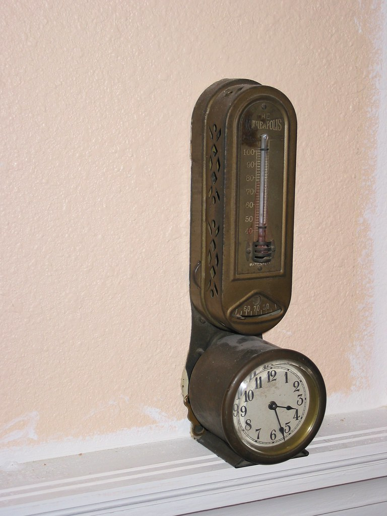 early programmable thermostat
