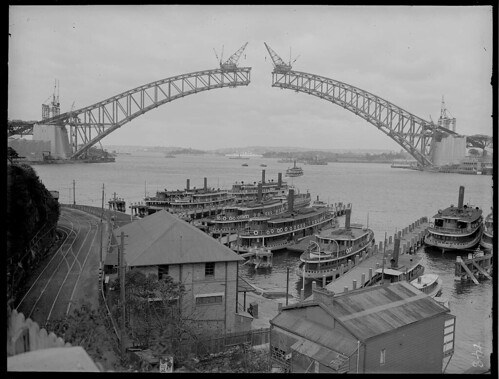 Building Sydney Harbour Bridge