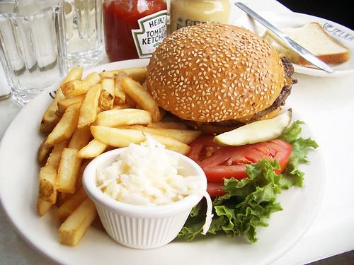 cheeseburger deluxe @ veselka