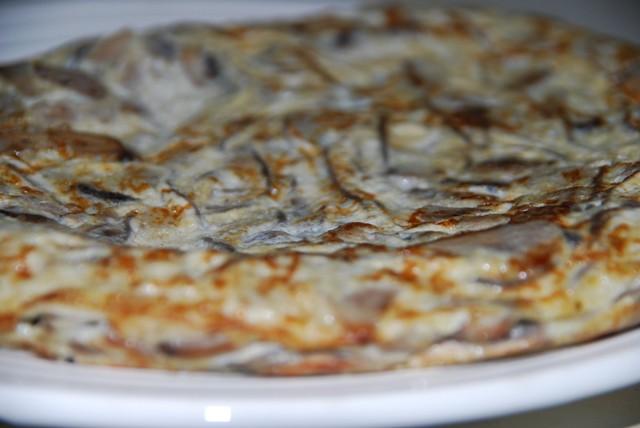 Tortilla de champiñon y gulas