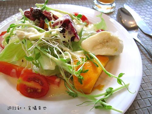 台中 forty cafe 早午餐水果沙拉仔細看