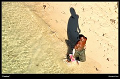 Back to freedom - Kilifi (Giovanni Gori) Tags: africa trip morning travel sea wild summer vacation portrait people holiday beach nature water landscape geotagged freedom landscapes italian sand nikon estate kenya scenic run acqua ritratto viaggio spiaggia geographic vacanza paesaggio goldenhour ih corsa sabbia d90 kilifi nikkor18200mmf3556gvr africanpeople flickraward nginationalgeographicbyitalianpeople nikkor18200mmvrii spiritofphotography giovannigori