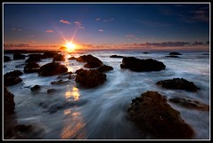 Edge of the World (Chris Gin) Tags: longexposure sunset newzealand beach auckland filter nz nd dri graduated muriwai maoribay