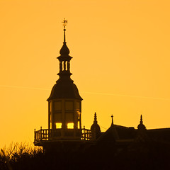 Domburg_PICT1764 (jobcibi) Tags: light sky holland beautiful silhouette yellow square minolta nederland thenetherlands himmel zeeland explore g walcheren fny domburg dimagea200 concordians