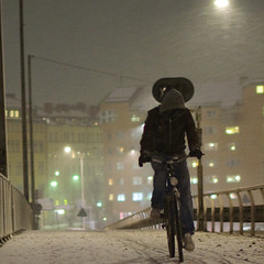 "this is sweden - ""blsigt"" (-12C) Tags: snow sweden stockholm 365 sn 1x1 week13 cyklar 500x500 d90 blsigt sigma50mmf14 project3661 winner500 5212of2009"