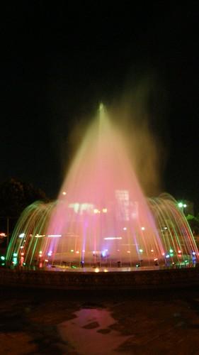 86.噴水池夜景