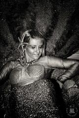 Golden Mermaid (danikaze) Tags: ocean show blue espaa girl french golden spain eyes aqua pretty chica blond ojos blonde rubia mermaid guapa malaga sirena francesa azules dorada paying espectaculo actuacion callegranada