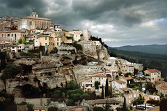 Tempte  Gordes en Luberon (Bruce Kerridge) Tags: travel france nikon scenery day village cloudy explore provence weekly luberon gordes d80 plusten
