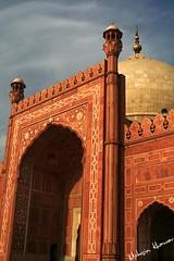 Badshahi mosque - architectural features (Mohsin Khawar-Facebook: Mohsin Khawar Photography) Tags: pakistan architecture worship islam mosque holy lahore badshahimosque mughal mughalarchitecture indiansubcontinent royalmosque mohsinkhawar