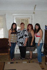 Mothers Day 2009 (Punk Rock Mom) Tags: rachel elissa elaine cari