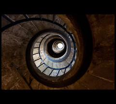 Up (Nrbelex) Tags: italy rome roma stairs canon point spiral 2470mml europe spin staircase dslr vanishing medici romeitaly 2470mm romaitaly villamedici 2470mmf28 xti ef2470mm 400d nrbelex