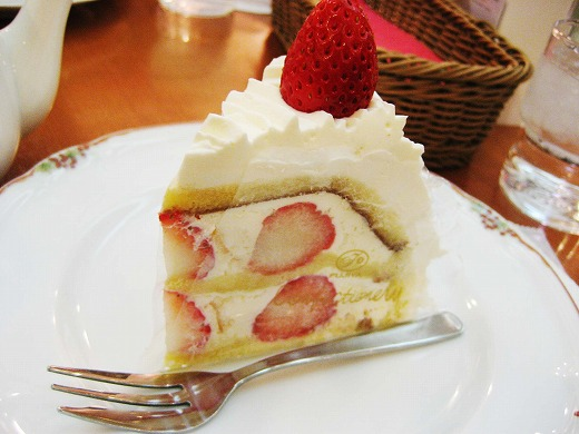 Strawberry Shortcake from FUJIYA RESTAURANT