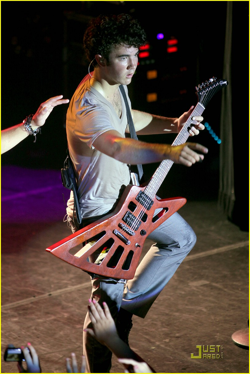 jonas-brothers-irving-plaza-concert-03