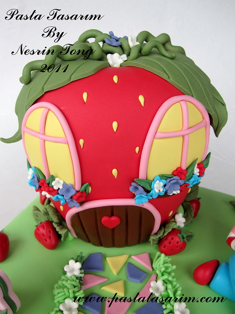STRAWBERRY SHORT CAKE - IPEK BIRTHDAY