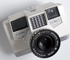 Revere Eye-Matic EE-127 - 1958 (Casual Camera Collector) Tags: camera film 127 1958 revere wollensak eyematic raptar ee127