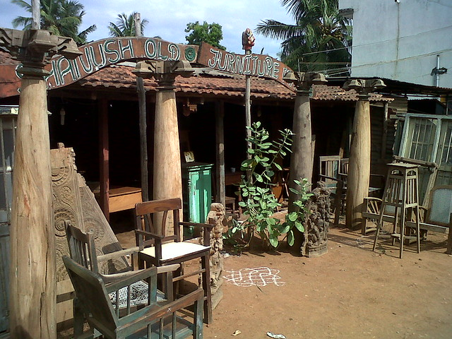 Among the short-listed ones are these 4 wooden pillars seen above. They are  in an unpolished state and needs to be cured and polished. - The Painstaking Hunt For The Perfect 'Thoons' Kiruba.com