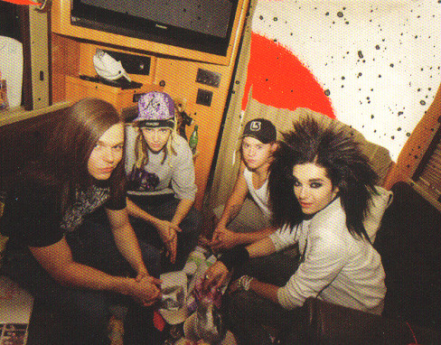 Tokio Hotel TV Caught on Camera Group Shot por xamoramoro.