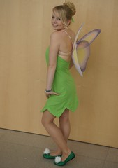 Fee Clochette / Tinkerbell, Peter Pan (cosplay shooter) Tags: anime comics costume comic cosplay manga tinkerbell tinkerbelle peterpan leipzig convention cosplayer rollenspiel buchmesse bookfair waltdisney roleplay lbm 3000z leipzigerbuchmesse 2500z feeclochette x201303