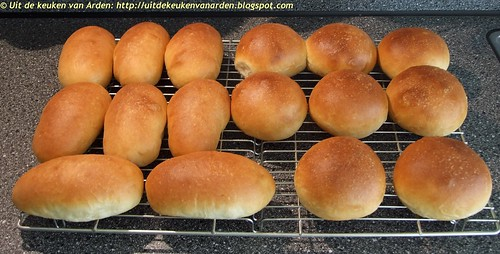 Witte broodjes met aardappel