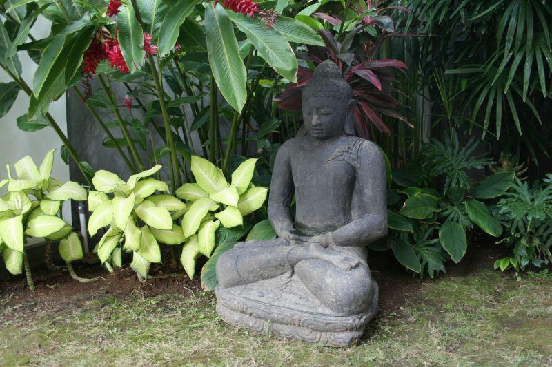 Villa Statue