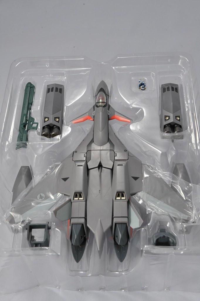 YAMATO 1/60 VF-11B Thunderbolt