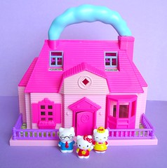 New Hello Kitty House! (tomo_moko) Tags: hellokitty purplemosaic hellokittydollhouse