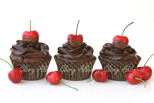 Chocolate Cherry Cupcakes   Cherry Pictures Gallery