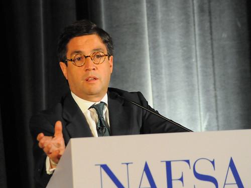 Luis Alberto Moreno at NAFSA 2009