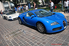 MC12 + Veyron = Sex on wheels (Julien Rubicondo Photography - julienrubicondo.com) Tags: california blue red orange white money black paris france cars car rouge one hotel 1 bay italia rich grand tunnel super f1 ferrari casino montecarlo monaco resort bleu prix un f formula pearl 40 carlo monte hermitage lamborghini blanc luxury rare 2009 italie loews luxe fairmont mc12 maserati perle gp gallardo bleue supercars veyron f40 noire htel fourty maseratimc12 formule masrati testla