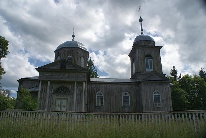 Церковь в Пивнях