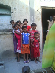 June 2009 (sarahamina) Tags: baby india kids children dorf village child bambini pueblo dev bebe indien singh ninos haryana sugling devraj sarahamina