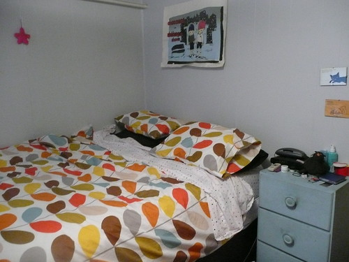 Clean bedroom, clean sheets.