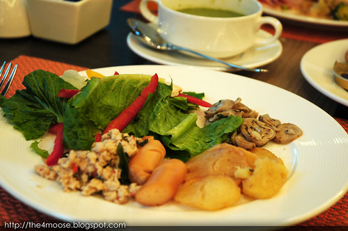 Kingston Suites - Breakfast