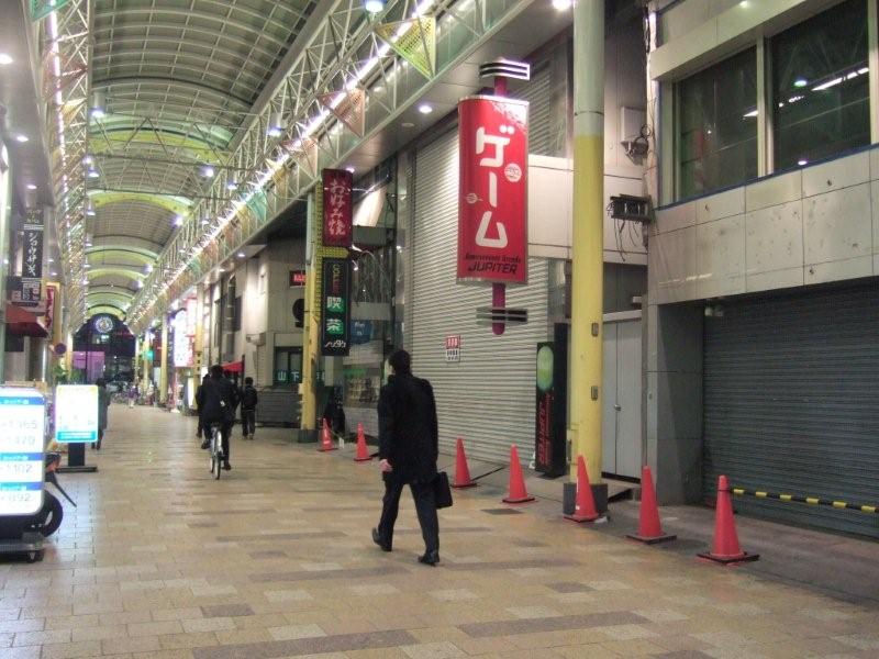 岡山駅前の商店街のようす