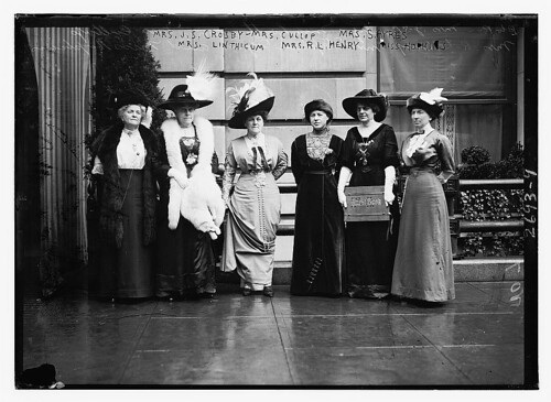 Mrs. J.S. Crosby, Mrs. Cullop, Mrs. S. Ayers, Mrs. Linthicum, Mrs. R.L. Henry, and Miss Hopkins (LOC) by The Library of Congress