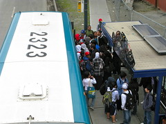 Franklin High School students boarding a Metro bus. Photo by Oran Viriyincy.
