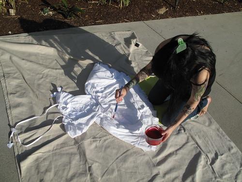 making a guro-loli dress