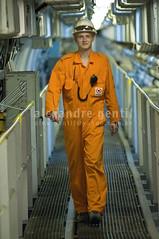Worker inside the ship (Alex Gentil) Tags: industry brasil ship br rj machine m transportation angradosreis navio transporte máquina plataforma ind dockwise indústria plataform mquina indstria