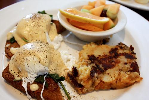Eggs Florentine with Lemon Diablo Sauce