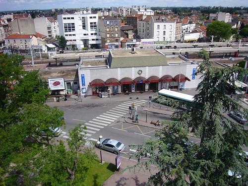 La gare d'Aulnay , plus haut