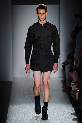 Julius Beckers322_SS10_Paris_Tim Hamilton