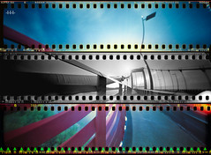 Voir la vie en gris. (steven -l-l-l- monteau) Tags: camera city bridge urban france film analog photography diy day sunday bordeaux pinhole explore homemade worldwide 25 april pont 4x5 steven 135 battlefield 25th maison frontpage avril dimanche ville argentique appareil 2010 urbain lll pellicule gironde stnop pontdaquitaine 135film monteau champdebataille faitmaison virela virela2 gardela2 virela