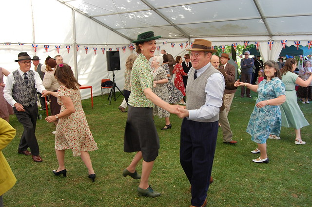 1940s knees up