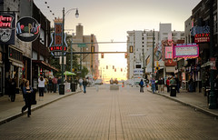 Beale Street on a Tuesday (Erik Lykins) Tags: street city sunset people usa evening downtown neon memphis cities goldenhour tennesee bealest