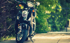 GY6 150cc Scooter (isayx3) Tags: nikon vespa dof bokeh chinese scooter bms mf nikkor studios f28 d3 kms 150cc evo ais 135mm v9 carino gy6 plainjoe isayx3 znen plainjoephotoblogcom roteka