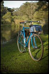 Evening in Golden Gate Park (Adam A.) Tags: light bike bicycle bag evening handmade pelican fixie fixedgear handlebar schmidt custom jitensha nitto honjo boxdogbikes zugster edelux randobag boxdogpelican bdbpelican